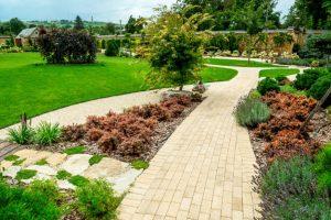 5 Best Concrete Backyard Ideas